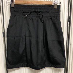 EUC GUESS Sporty Black Miniskirt - Size Small
